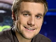 Tobias Schlegl, Moderator von Extra3
