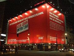 DGB-Banner für Mindestlohn in Berlin