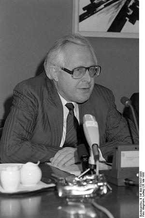 Bundesarchiv B 145 Bild-F078337-0005, Bonn, Pr...