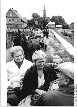 Bundesarchiv Bild 183-1986-0908-001, Redefin, ...