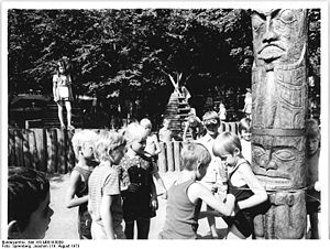 Bundesarchiv Bild 183-M0819-0009, Berlin, Volk...