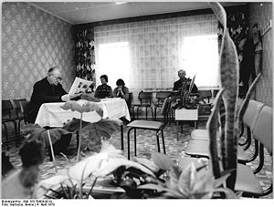 Bundesarchiv Bild 183-T0404-0019, Jördenstorf,...
