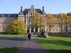 Strafjustizgebäude (Amtsgericht und Landgerich...