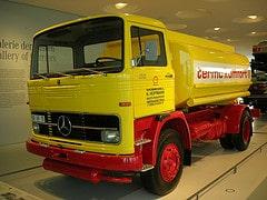 Mercedes-Benz LP 1513 Heizöl-Tankwagen (1974)