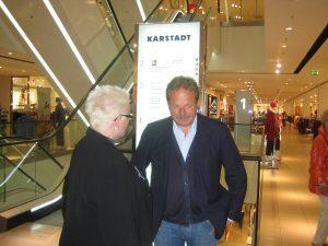 IMG 1140 300x225 Spenden ist kein Geschäftsmodell Frank Bsirske zu Besuch bei Karstadt in Duisburg