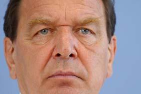 Gerhard Schröder during a Bundespressekonferen...