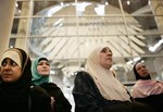 BERLIN - DECEMBER 03:  Muslim women visit the ...