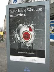 Werbung einwerfen