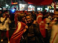 Die süßen kleinen Türkinnen