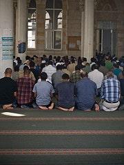 Gläubige in einer Moschee in Ramallah