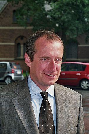 {{de|Minister für Bauen und Verkehr NRW Oliver...