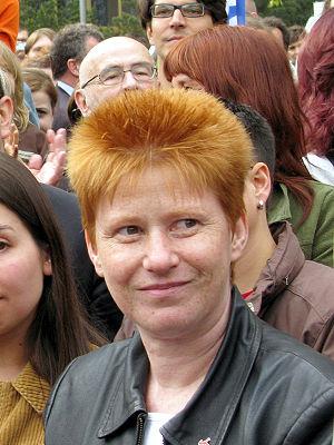{{de|Petra Pau, Vizepräsidentin des Deutschen ...