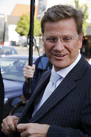 {{de|1=FDP-Chef Guido Westerwelle während eine...