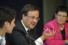 Minster Armin Laschet betont die Bedeutung von...
