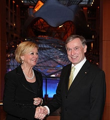 Liz Mohn im Gespräch mit Bundespräsident Horst...