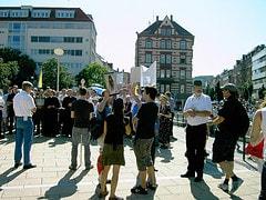 Gegendemonstration der Piusbruderschaft - CSD ...