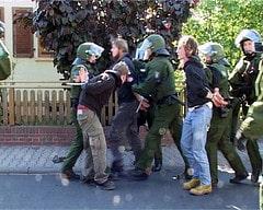 1. Mai Antifa-Aktion gegen Nazis in Ruesselshe...