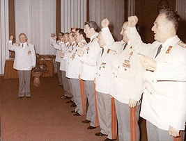 Minister Mielke and Stasi generals singing