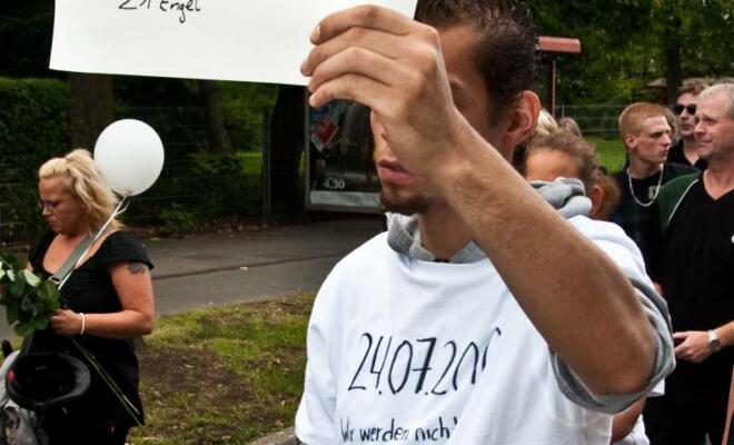 Ian Goodridge auf dem Trauerzug der Loveparade - Foto MS