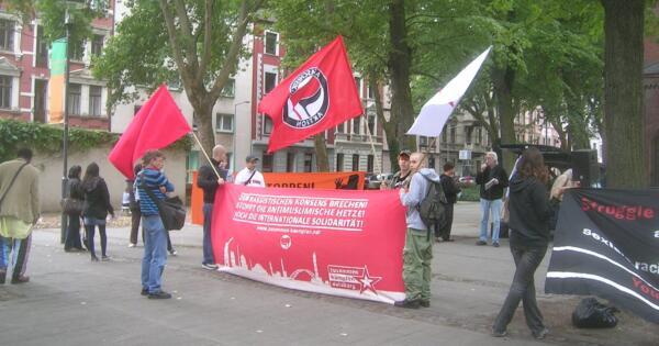 Zusammen kämpfen ohne viel Menschen: Demo in Duisburg-Hochfeld