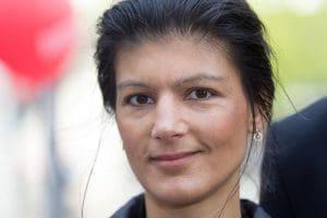 Wieder mal Duisburg eingeschworen: Sahra Wagenknecht - Foto Thomas Rodenbücher