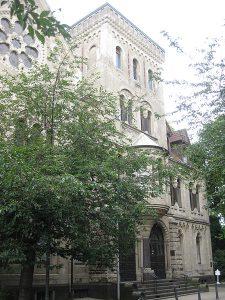 Deutsch: Kalvinistenkirche im Duisburger Stadtteil Ruhrort (Dr.-Hammacher-Straße 6, 47119 Duisburg)] (Photo credit: Wikipedia)