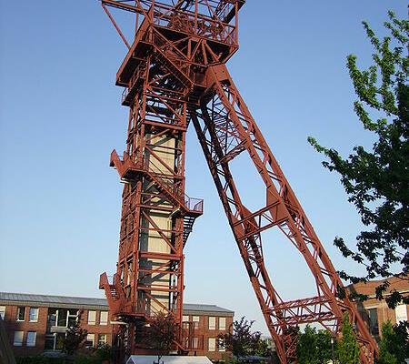 Förderturm-Schacht im Ruhrgebiet (Photo credit: Wikipedia)