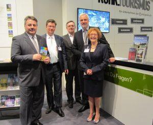v.l.n.r.: Bruno Sagurna, DMG; Uwe Gerste, DMG; Garrelt Duin, Wirtschaftsministerium NRW; Inge Keusemann-Gruben, DMG; Axel Biermann, Geschäftsführer RTG