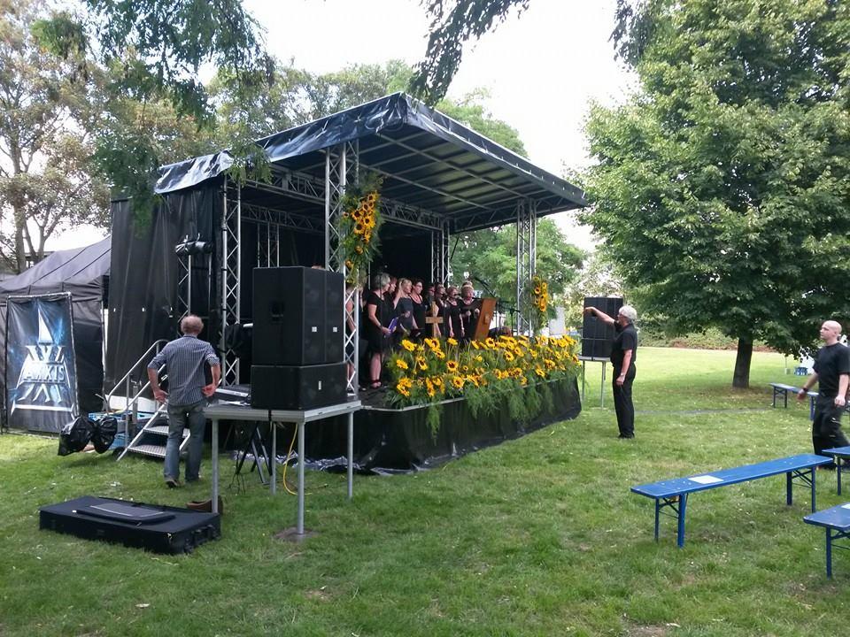 Duisburg vierter jahrestag der loveparade 200 menschen for Luftballons duisburg