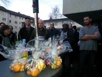 Fluechtlingsempfang Koloniestrasse: Bake the World a Better Place