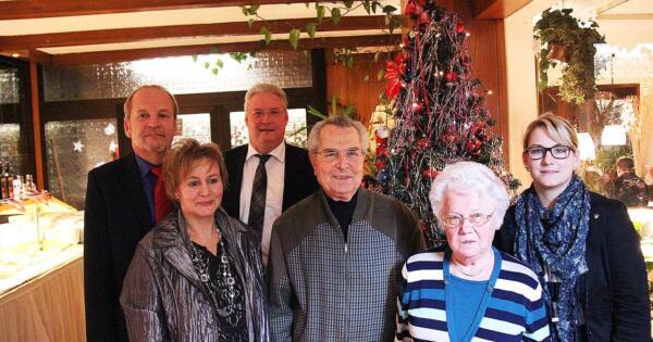Von links nach rechts: Rainer Bischof MdL Ratsfrau Martina Herrmann Frank Börner MdL Willi Schmotz Elisabeth Wollschläger Ratsfrau Jennifer Metzlaff