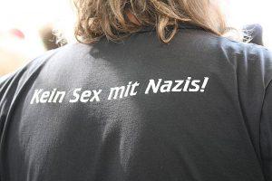 """Deutsch: Protestveranstaltungen gegen die Kundgebung eines """"Anti-Islamisierungskongresses"""" der """"Bürgerbewegung Pro Köln"""" im September 2008 (Photo credit: Wikipedia)"""
