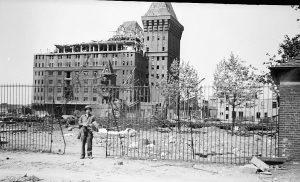 1945 (13)