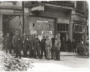 1945 (14)