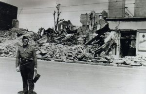 1945 (20)