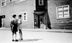 1945 (21)