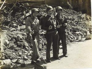 1945 (26)