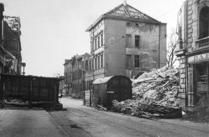 DU 1945 - (3)