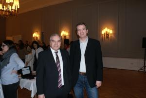 (v. l. Rainer Morawietz und Stressmediziner Dr. Matthias Weniger)
