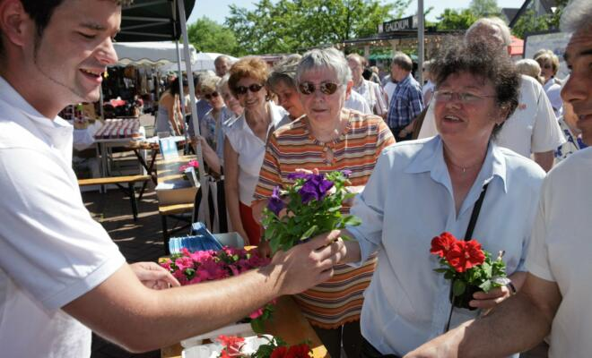 Muttertagsfreuden auf dem Marina-Markt - Foto: www.krischerfotografie.de
