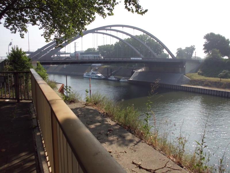 Brücke des Kanals 2 - (c) Reinhard Mataern