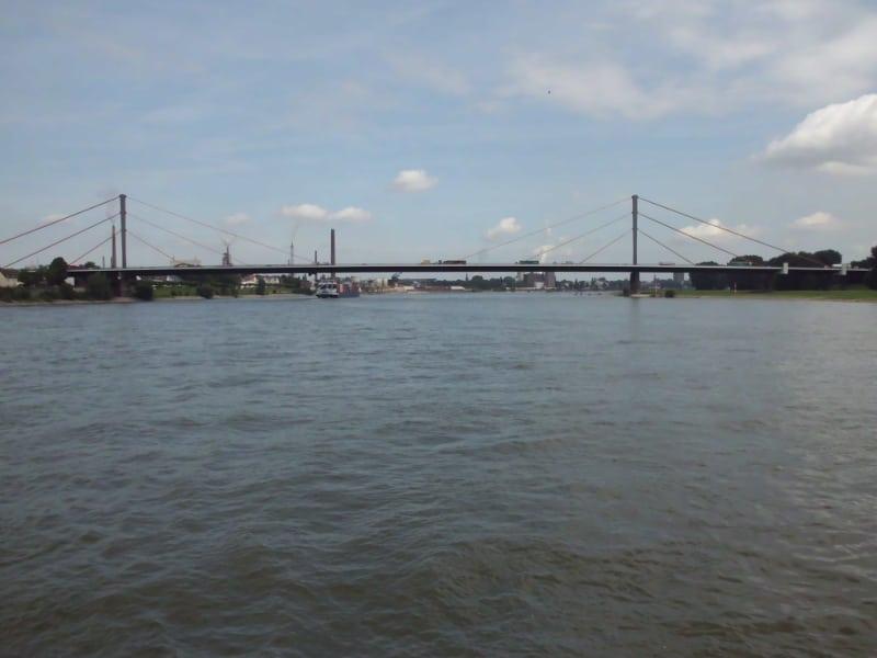 Rhein 2 - (c) Reinhard Matern