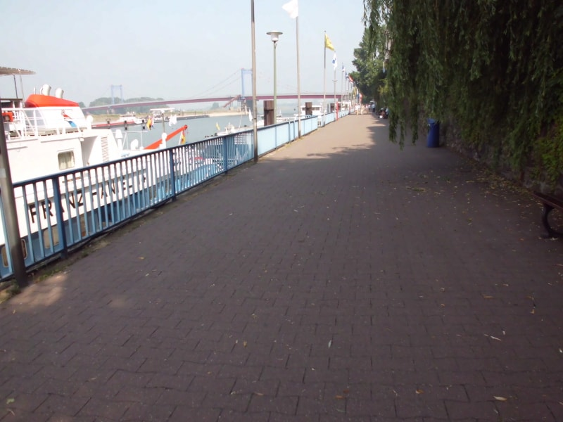 Promenade 2 - (c) Reinhard Matern