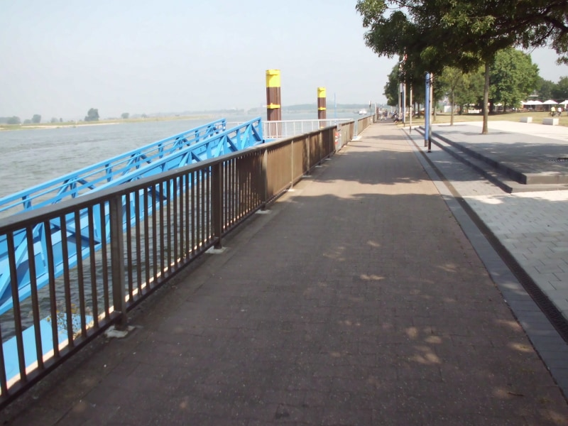 Promenade 3 (Rhein) - (c) Reinhard Matern