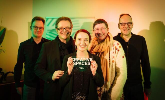 Die Kreative Klasse nahm in Köln einen von fünf CREATIVE.SPACES Awards entgegen. (v.l.) Oliver Koschmieder, Emrich Welsing, Anja Distelrath, Judith Haselroth und Michael Göke. (Foto: CREATIVE.NRW / Bozica Babic)