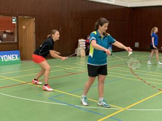 Platz 3 im Damendoppel O35 Anna Pettau und Sandra Stenzel vom DSC Kaiserberg